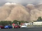 السعودية | تقلبات جوية حادة وموجة غُبار واسعة متوقعة نهار الثلاثاء