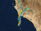 تحديث 10:00 صباحاً: تساقط غزير للأمطار على أملج والسحب الماطرة تتحرك نحو ينبع الساعات القادمة