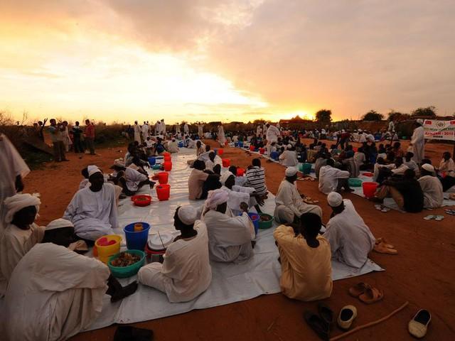 رمضان في السودان .. الكرم والعطاء