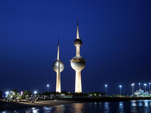 طقس الخليج العربي: اشتداد تأثير الكُتلة الحارة على المنطقة وأجواء شديدة الحرارة في الكويت وشرق السعودية