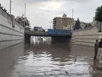 امطار مصر تتسبب بالشلل .. حالة وفاة وغرق لأحياء سكنية وإرباك في حركة الطيران