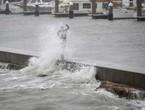 خسائر إعصار هارفي تقترب من 100 مليار دولار