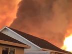 بالفيديو | مشاهد مرعبة لأعاصير نارية اجتاحت ولاية كاليفورنيا الأمريكية