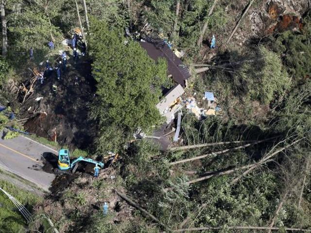بالصور| وفاة 4 وفقد 33 جراء زلزال في هوكايدو اليابانية