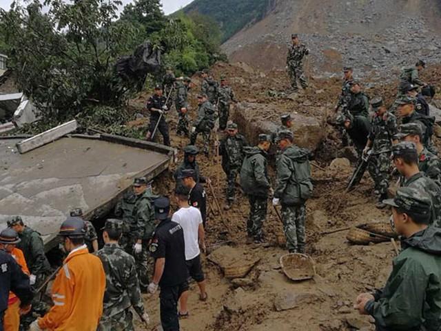 وفاة شخصين في انهيار جبلي جنوب غرب الصين