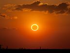 كسوف كلي للشمس في الولايات المتحده الأمريكيه في 21 اغسطس الجاري