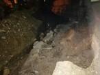بسبب الأمطار... انهيار جدار استنادي في دير علا