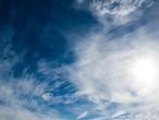 نهاية الأسبوع | انخفاض تدريجي على درجات الحرارة... طقس خريفي معتدل نهارًا وبارد نسبيًا ليلًا