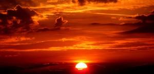 ما هي ظاهرة شمس منتصف الليل؟ وما سبب حدوثها؟